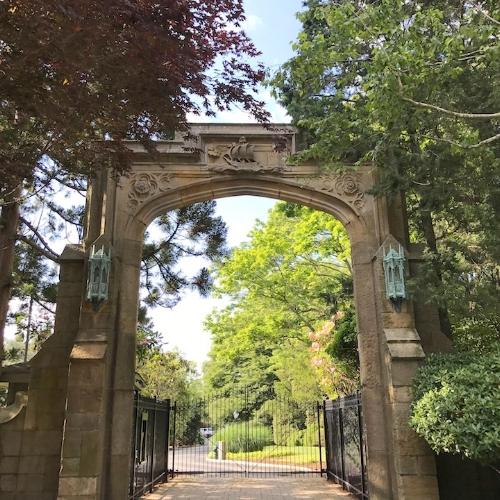 Bonnie Crest gate