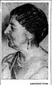Mrs Gibson Fahnestock in her latter years
