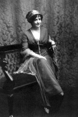 1910-lady-duff-gordon-from-2.jpeg
