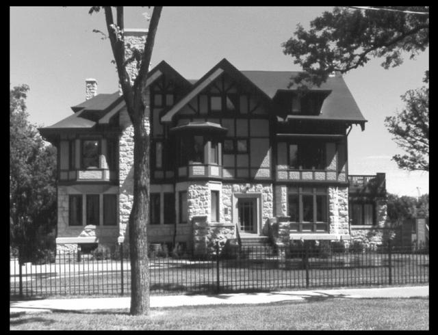 Fortune Winnipeg393-wellington-crescent.png