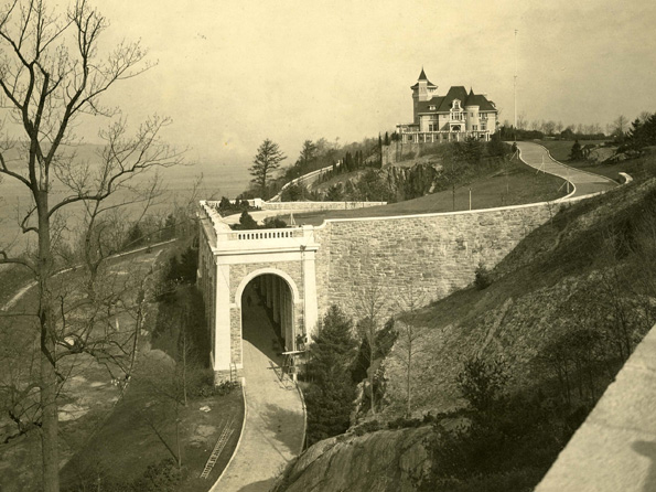 Billings estate arches.jpg