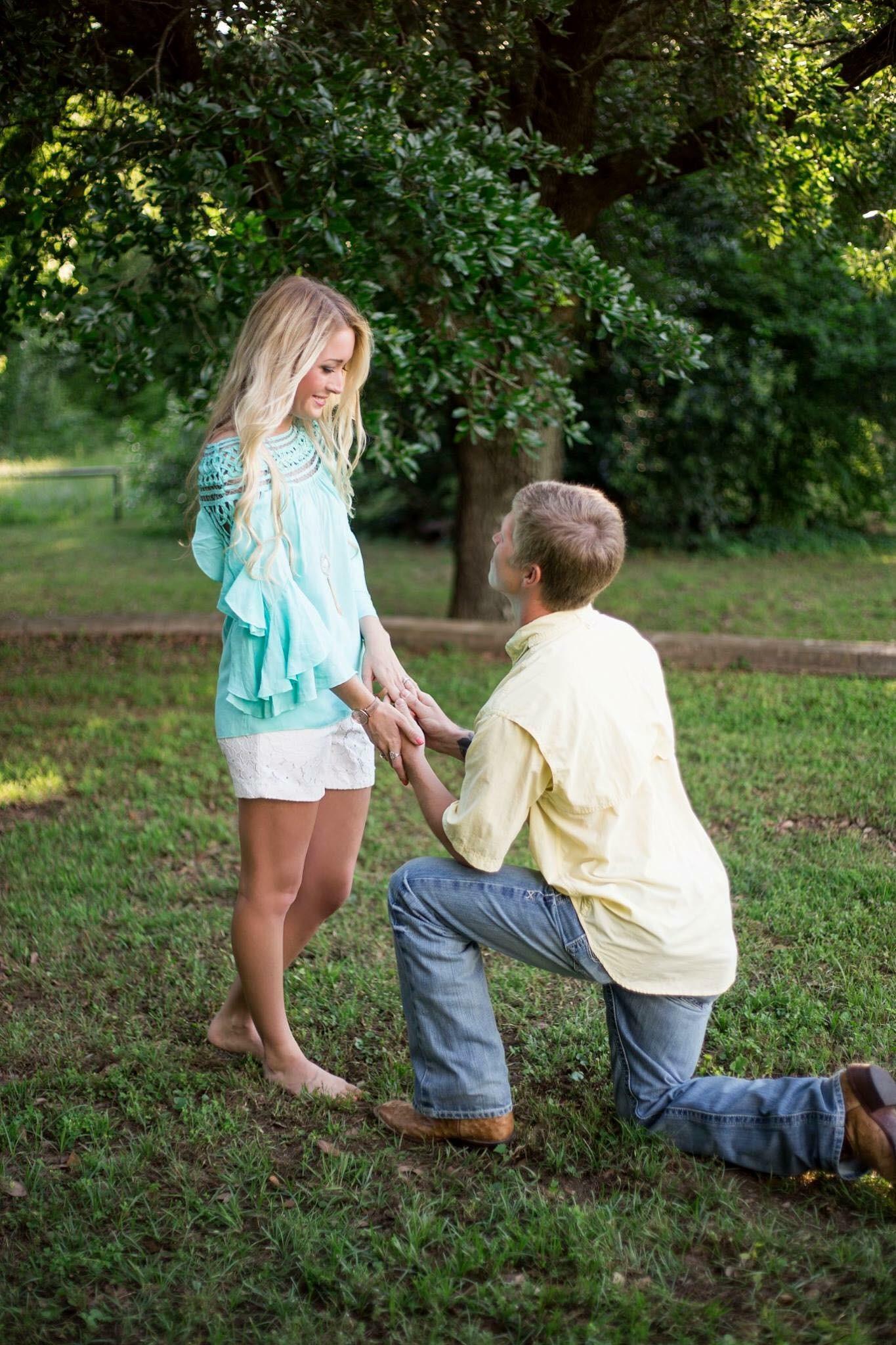 Surprise engagement 3.jpeg