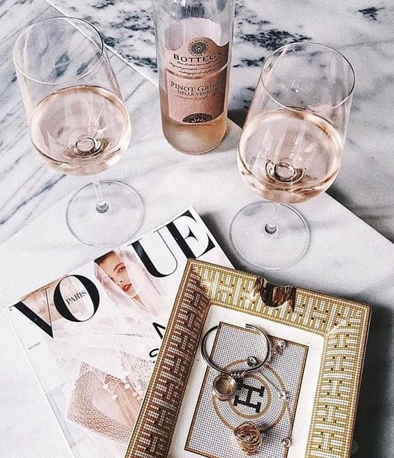 Cheers to the freaking weekend 💫 💫 @vogue