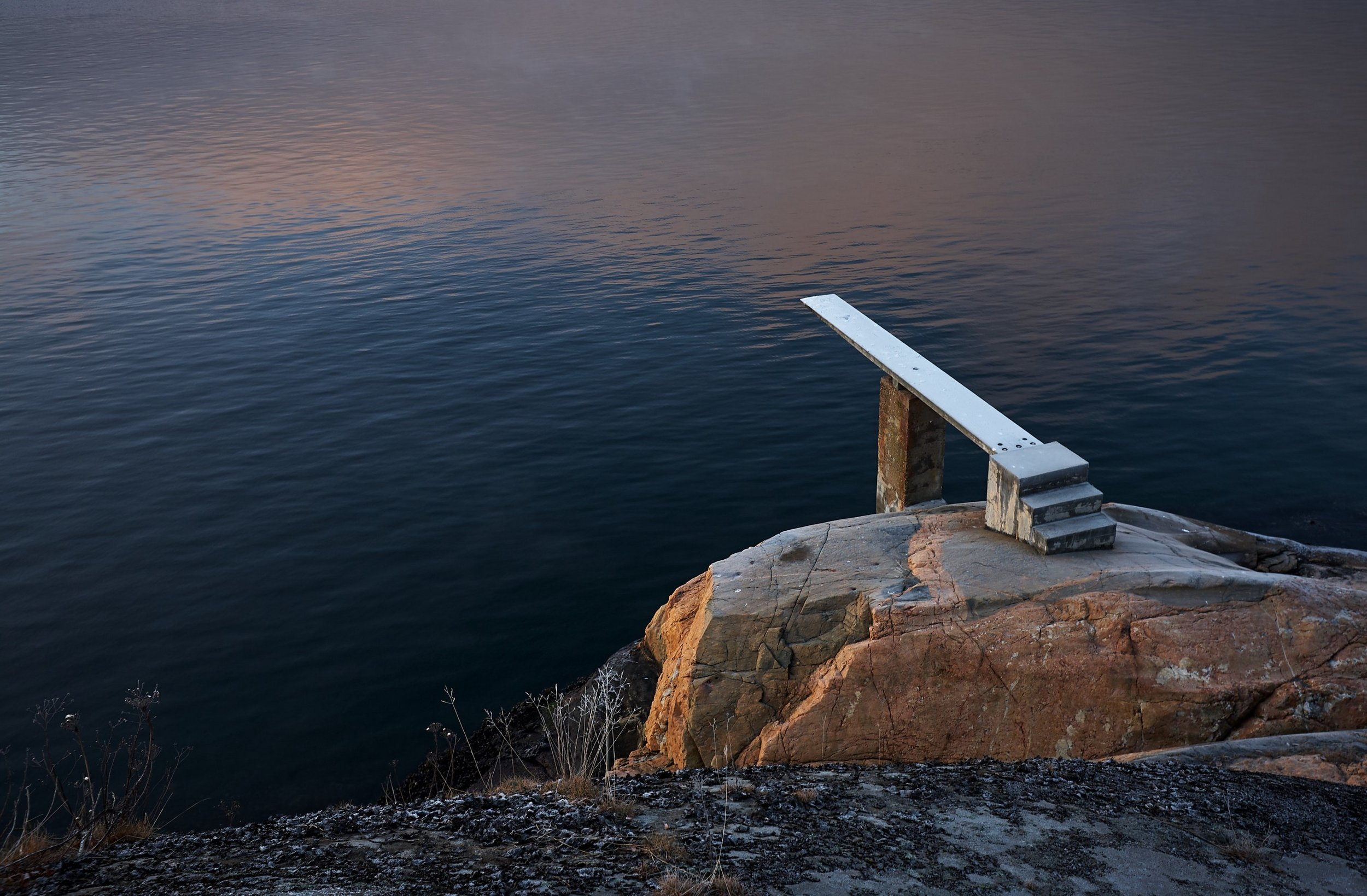 Wat gebeurt er als je niet langer van de duikplank hoeft te springen om jouw doel te bereiken? Photo by  Vidar Nordli-Mathisen  on  Unsplash