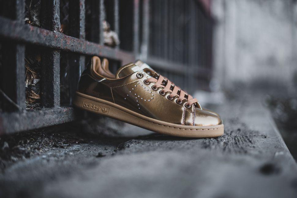 adidas-stan-smith-x-raf-simons-mettalic-gold-1.jpg