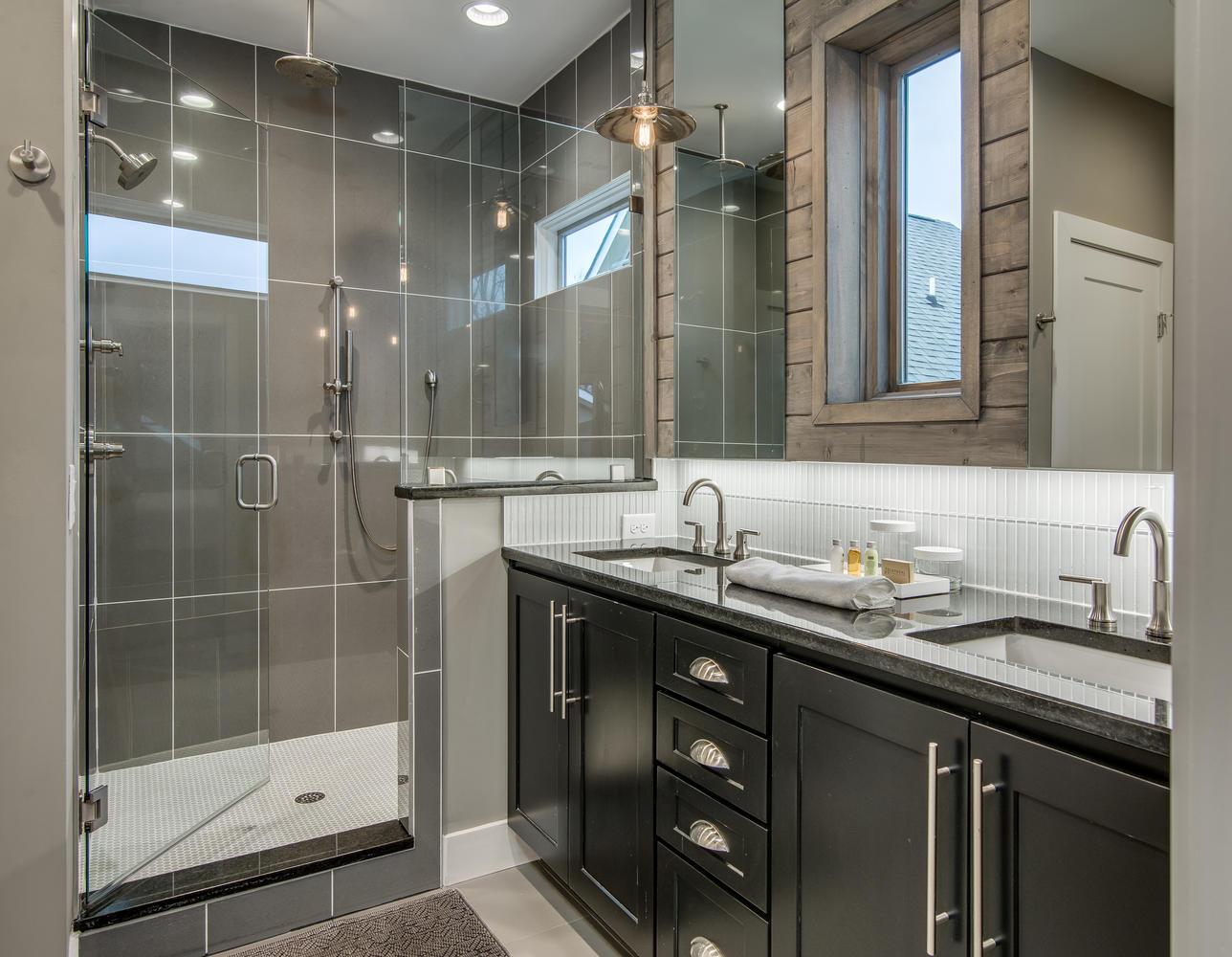 House-Plans-Online-Duplex-Nashville-Peggy-Newman-Bath-Master-1613.jpg