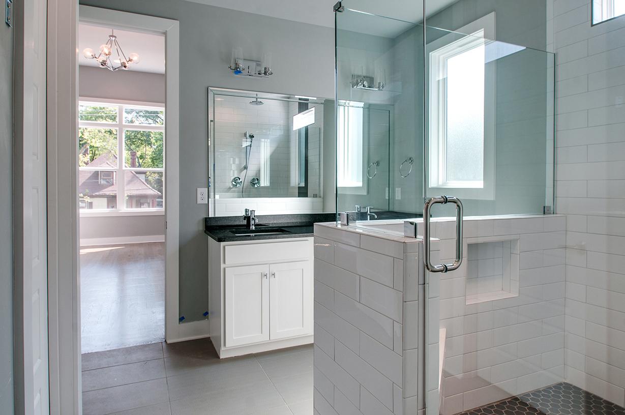 House-Plans-Online-Duplex-Nashville-Peggy-Newman-Bath-Master-1825.jpg