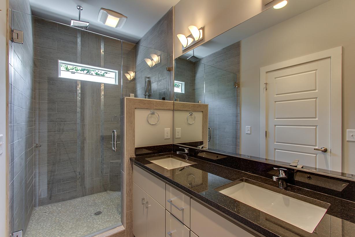 House-Plans-Online-Duplex-Nashville-Peggy-Newman-bath-Master-1724.jpg