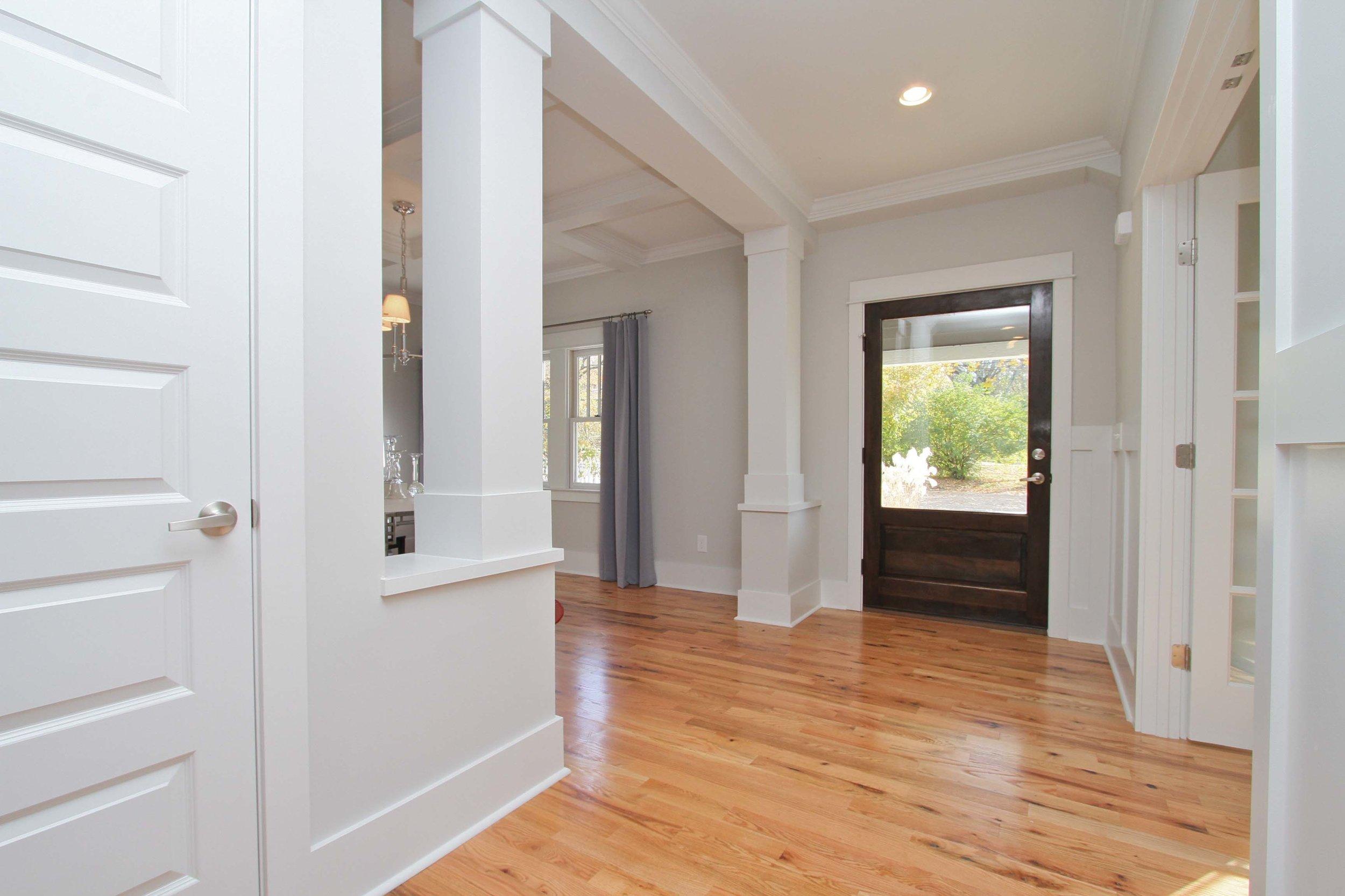 House-Plans-Online-Historic-Nashville-Peggy-Newman-Renovation-Columns-Entry-Murphy.jpg