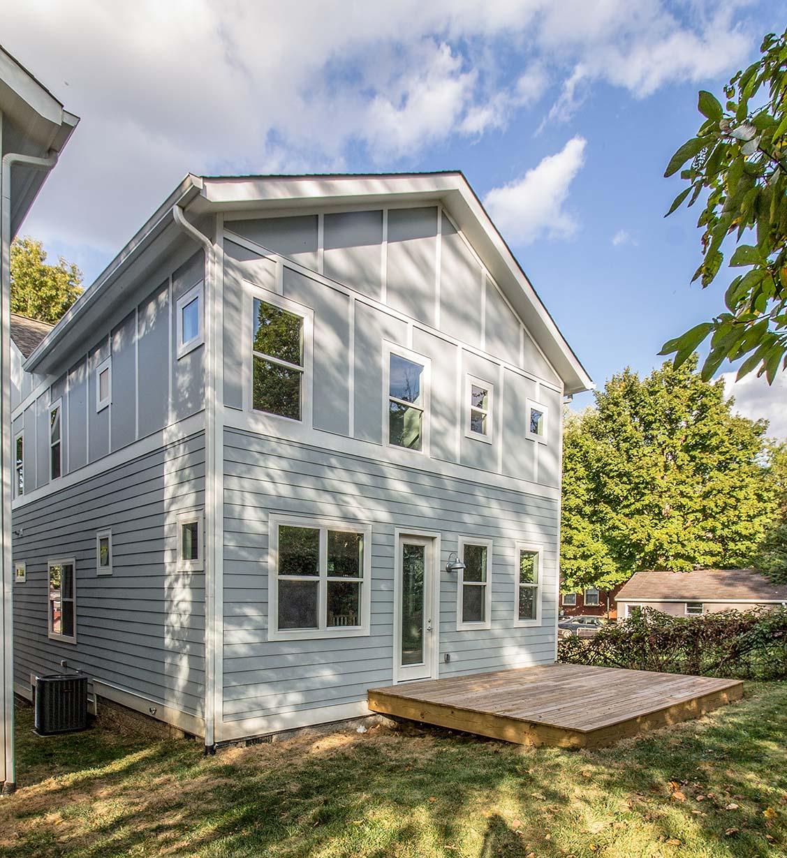 House-Plans-Online-Narrow-Nashville-Peggy-Newman-Deck-Mailan B.jpg