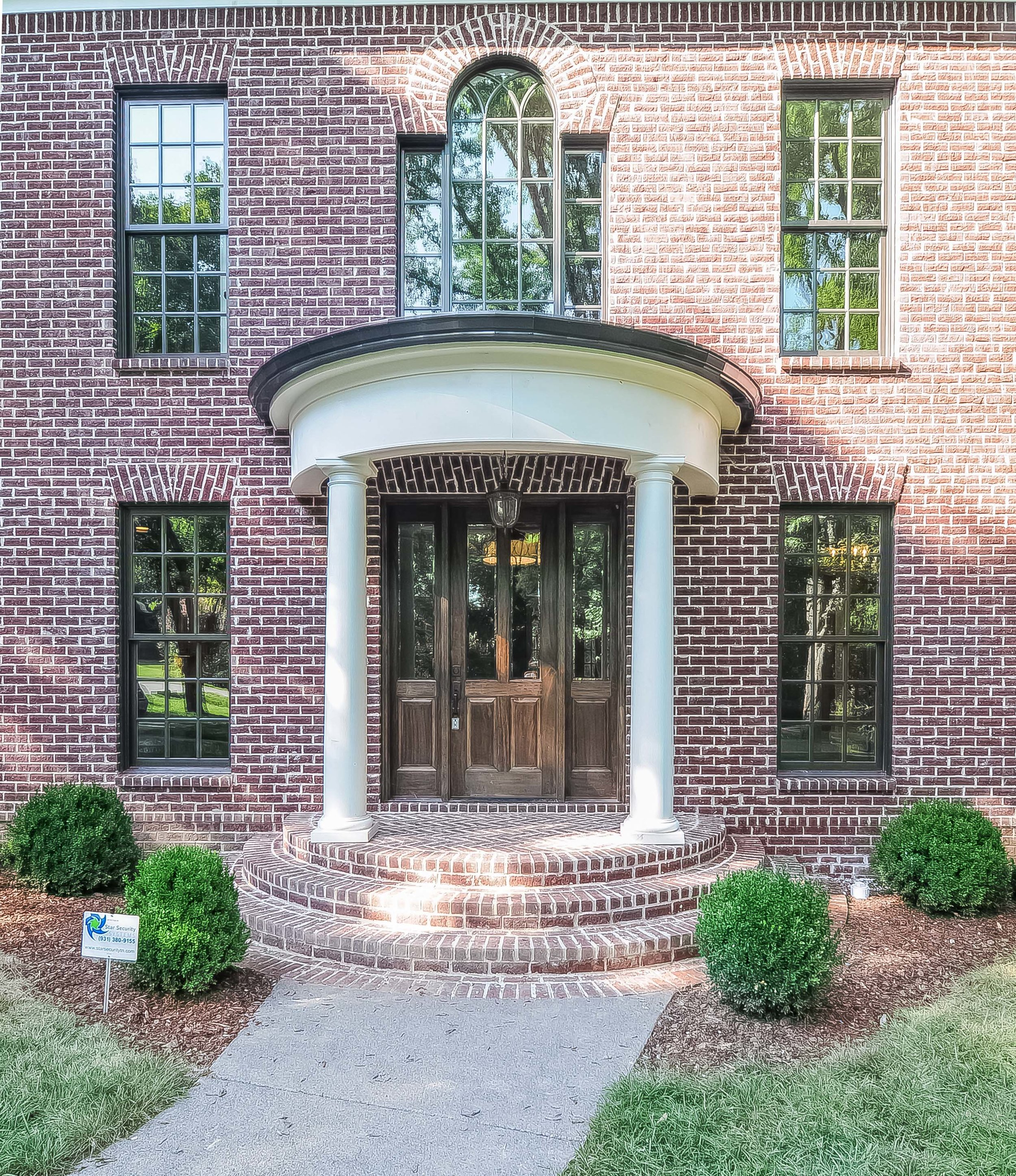 House-Plans-Online-Selections-Nashville-Peggy-Newman-Finishes-Brick-Column-Colonial-Entry.jpg