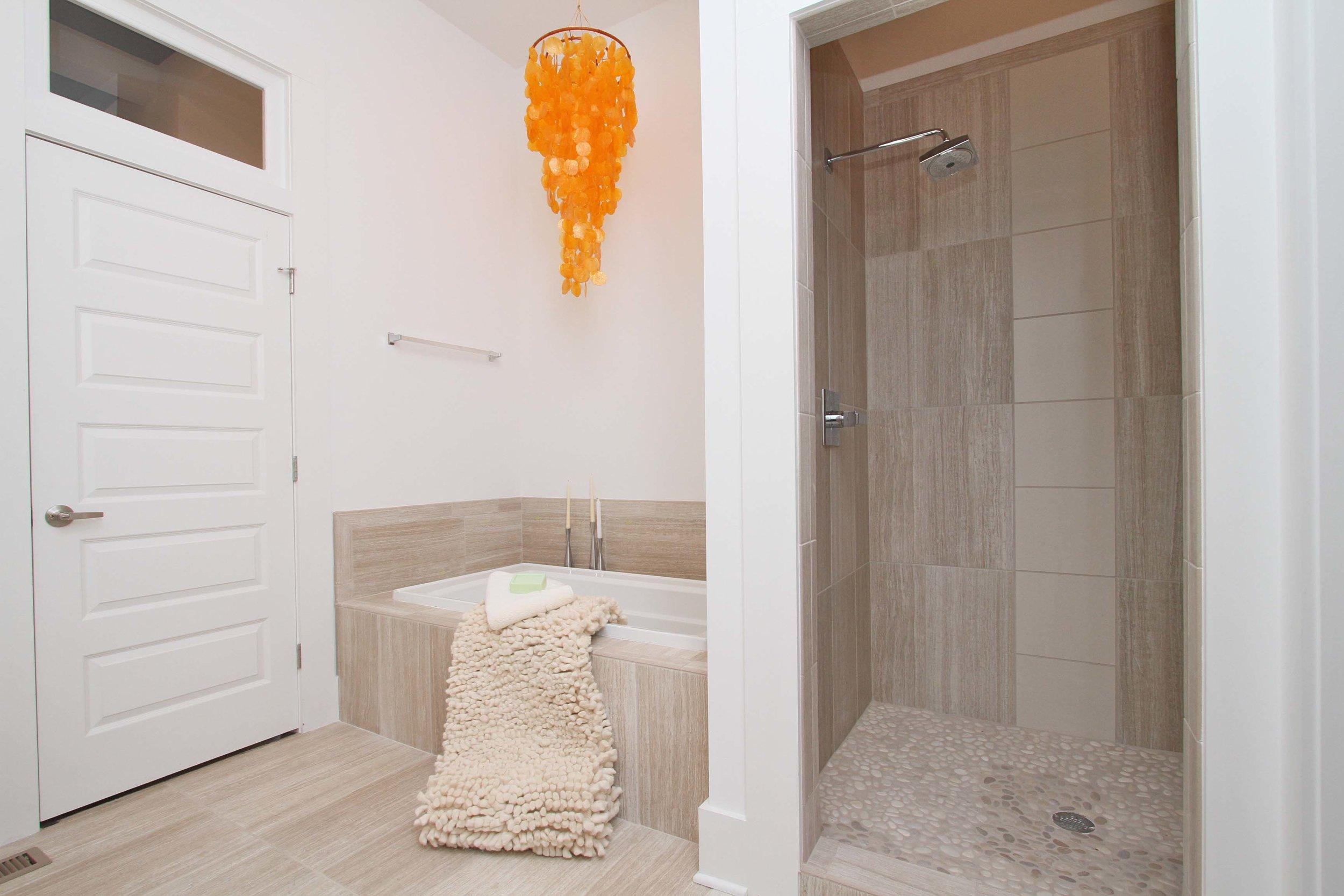House-Plans-Online-Craftsman-Nashville-Peggy-Newman-Benton-Steam-Shower-Master-Tub.jpg