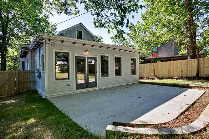 House-Plans-Online-Craftsman-Nashville-Peggy-Newman-Chapel-Patio.jpg
