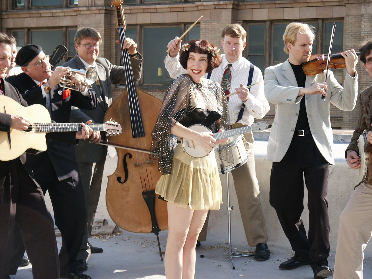 Featuring musical performances byJanet Klein and Her Parlor Boys