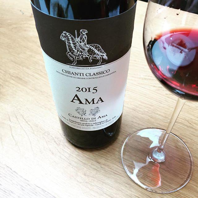 Fond memories of Lecchi in Chianti, Galenda and Fat Man Tours AKA @ingambatours cc: @joaoisme  #chianticlassico #lecchi #italianwine #vinoitaliano #vinotoscano #tuscanwine #winelover #wine #castellodiama