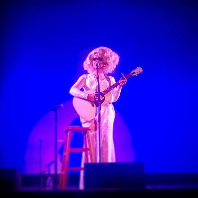Front Row  @trixiemattel #geniuscomedy #hilarical #drag #trixiemattel