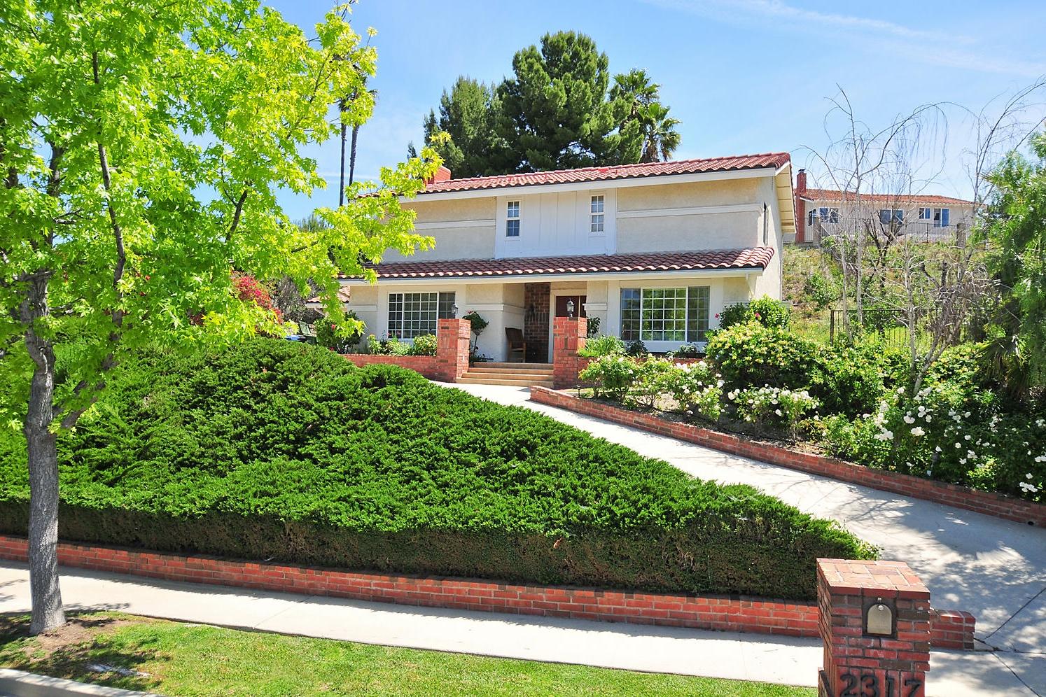 2317 Otono Cir. Thousand Oaks, CA Closed/ Listed at $740,000