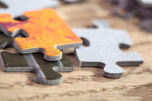 addiction counseling puzzel pieces