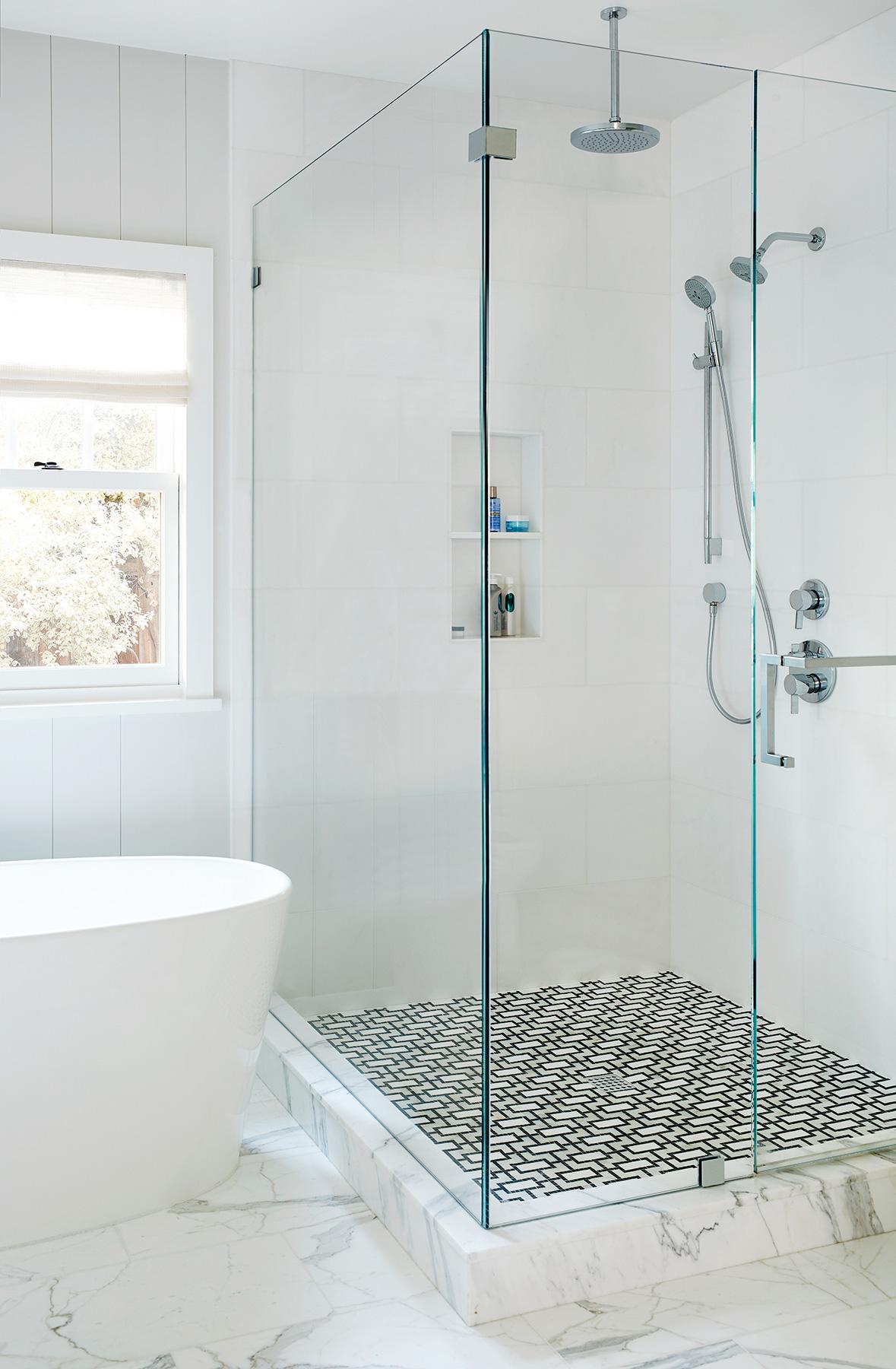 221195_MasterBath_Shower.jpg