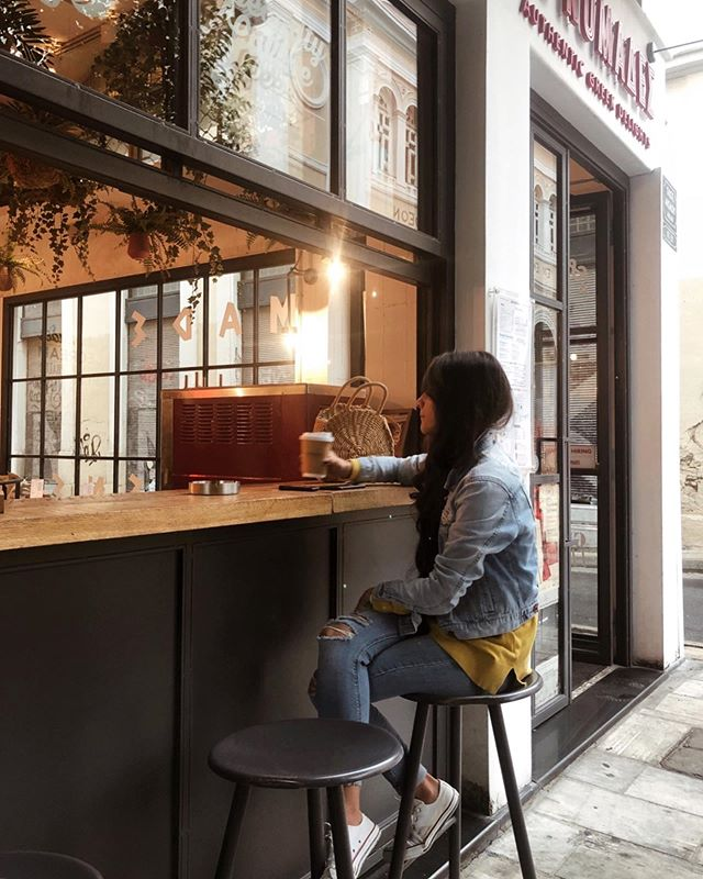 In the heart of Athens you can find @lukumades the most charming place to enjoy your coffee and a portion of fresh loukoumades. 🍯