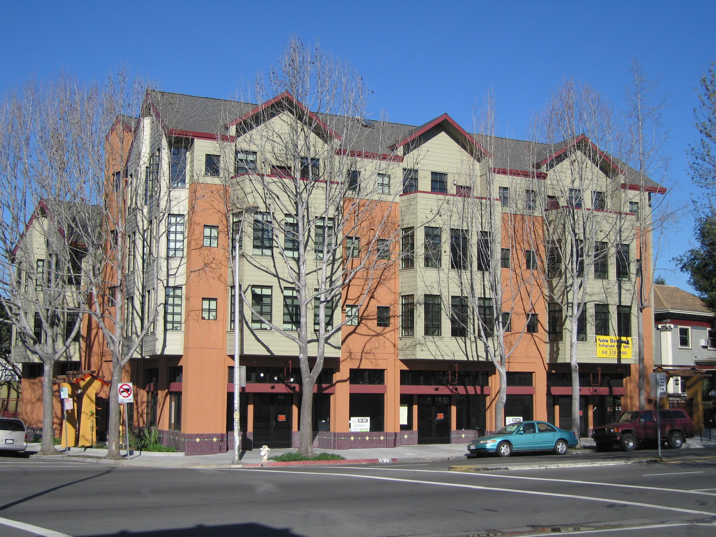Telegraph Bays, 2616 Telegraph Avenue