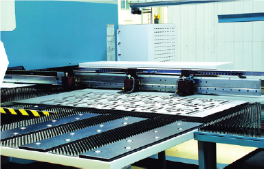 Automatic Clamp Positioning  The sheet clamps automatically set to width according to the sheet size.  Automatic sheet repositioning up to 10,000 mm range
