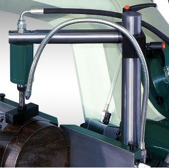 Hydraulic device  for price vertical locking