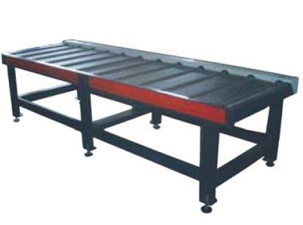 3 metre material table  At the front or back side of the machine the table provides easy material entrance by bear driven rolls.