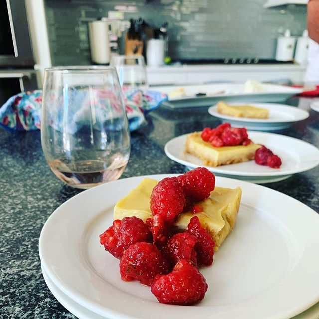 My sister's favorite dessert is key lime pie, so I made the @halfbakedharvest Creamy Lemon Bars with Brown Butter Raspberries again for Easter but with key lime juice this time 🐰🐰🐰 SO GOOD.
