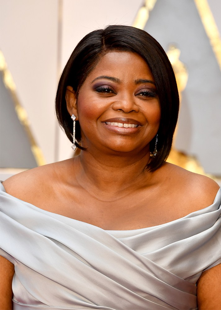 Octavia Spencer - She always looks amazing. Her dark purple smokey-eye and sleek bob looked gorgeous.
