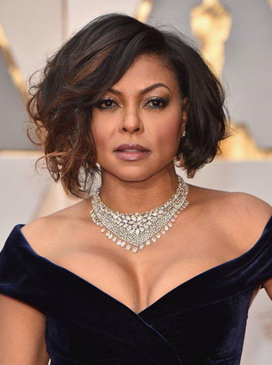 Taraji P. Henson - I couldn't tell if her eyeliner was blue, green, or a combination of the two, but I loved it! The color was soft but bold enough to play off her navy dress.