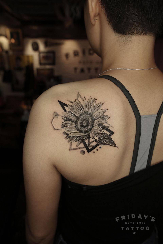 2019-fridays-tattoo-hong-kong-felix-sunflower.jpg