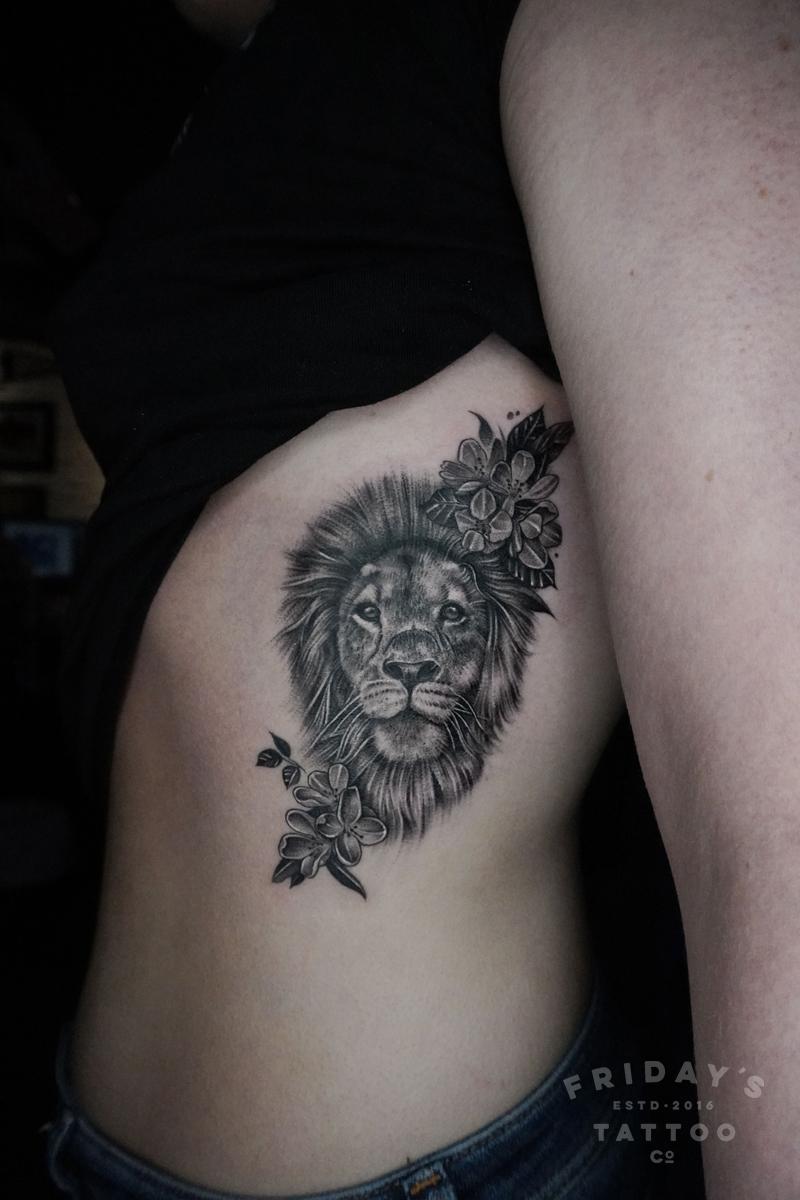 2019-fridays-tattoo-hong-kong-felix-lion-flower.jpg