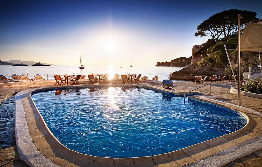 la-voile-d-or-piscine-mer-bateau-saint-jean-cap-ferrat-b.jpg