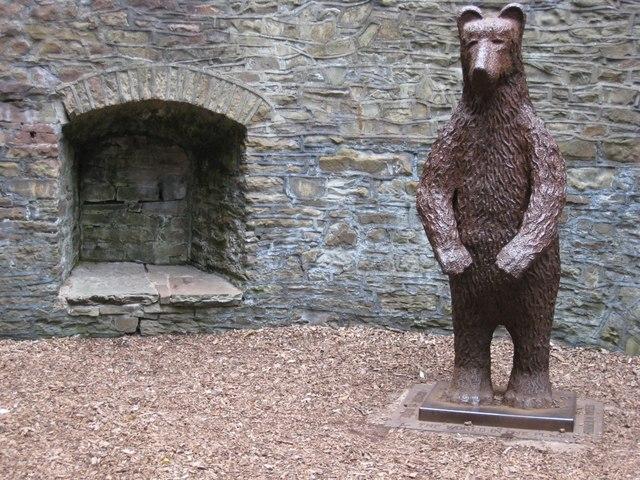 bear pit.jpg