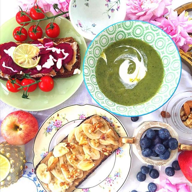 ⭐️When you wanna feast and feel good about it.... ⭐️this vibrant spread💫 🍅🥒🍌💜🌸💙🍎🌸 • • • • • • • • • • • • #food  #foodporn #foodie #vegan #vegans #veganfoodshare #feast #healthy #healthkick #cleaneating #cookies #cake #london #funfood #foodphotography #foodpic #yummy #delicious #inspiration #beautifulfood