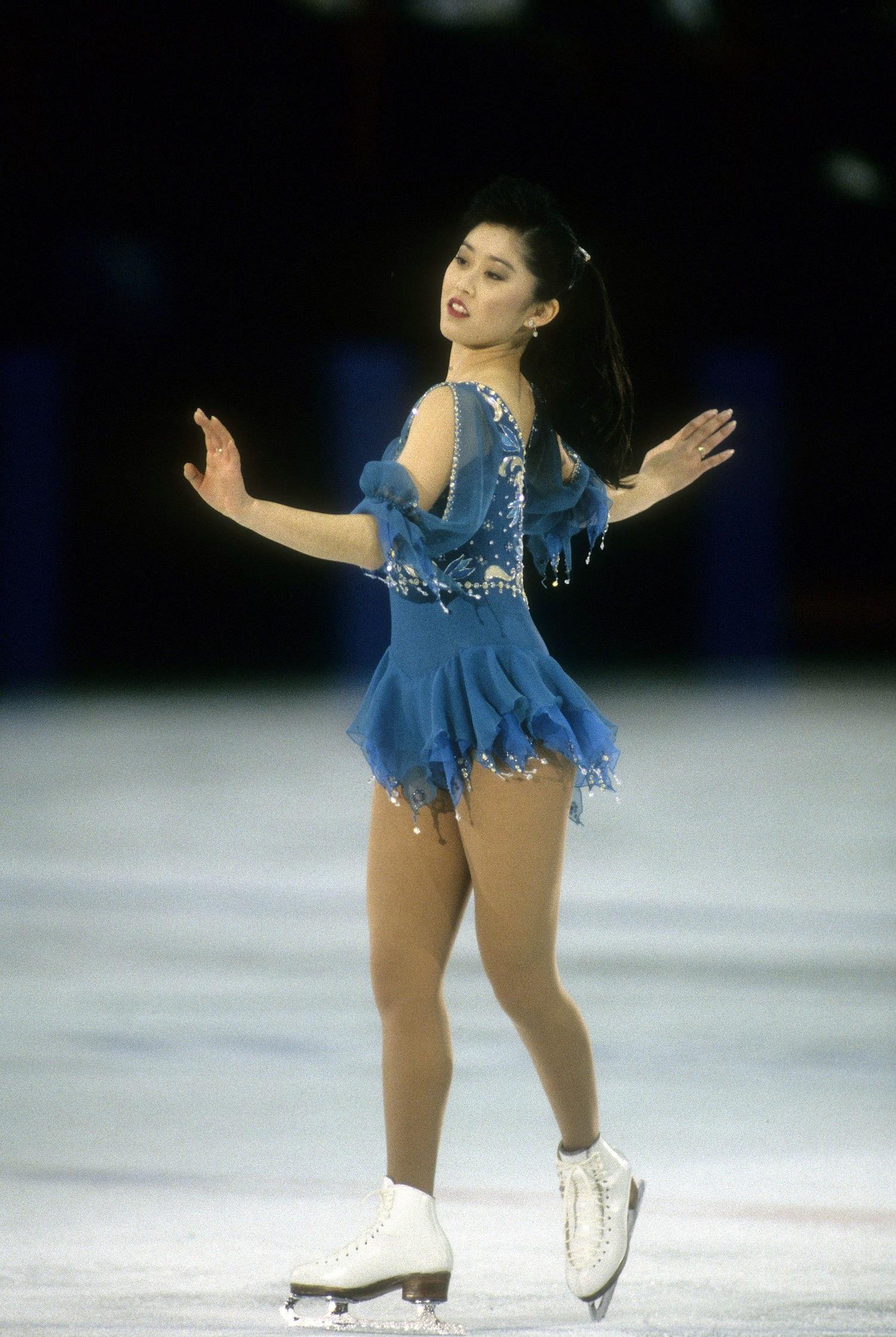 fashion-2014-02-04-olympic-ice-skating-costume-kristi-yamaguchi-main.jpg