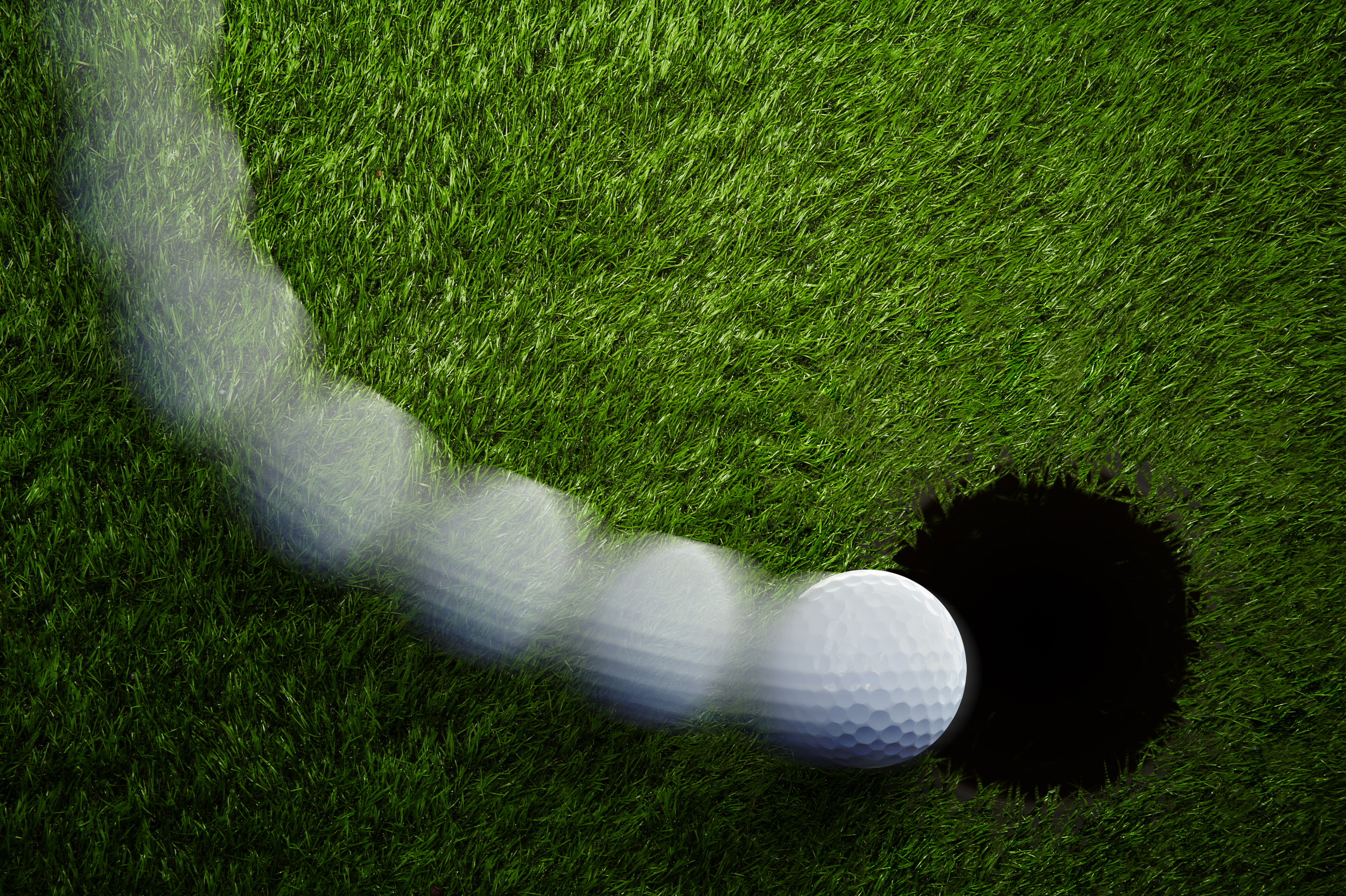 Read greens well to hole more putts. Learn how at Limitless Golf.
