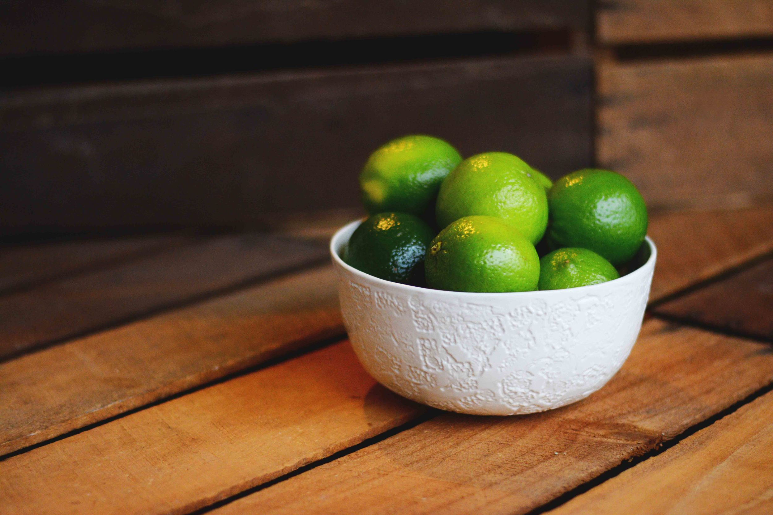 PATRICIA_FERNANDES_IVORY_CARBLOADING BOWL_LIMES.jpg