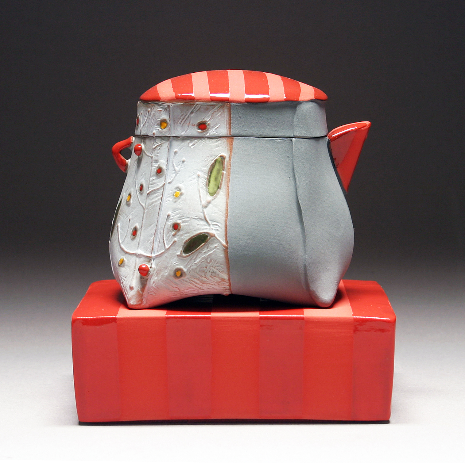 Floral_Berry_Pitcher_Gray_detail.jpg