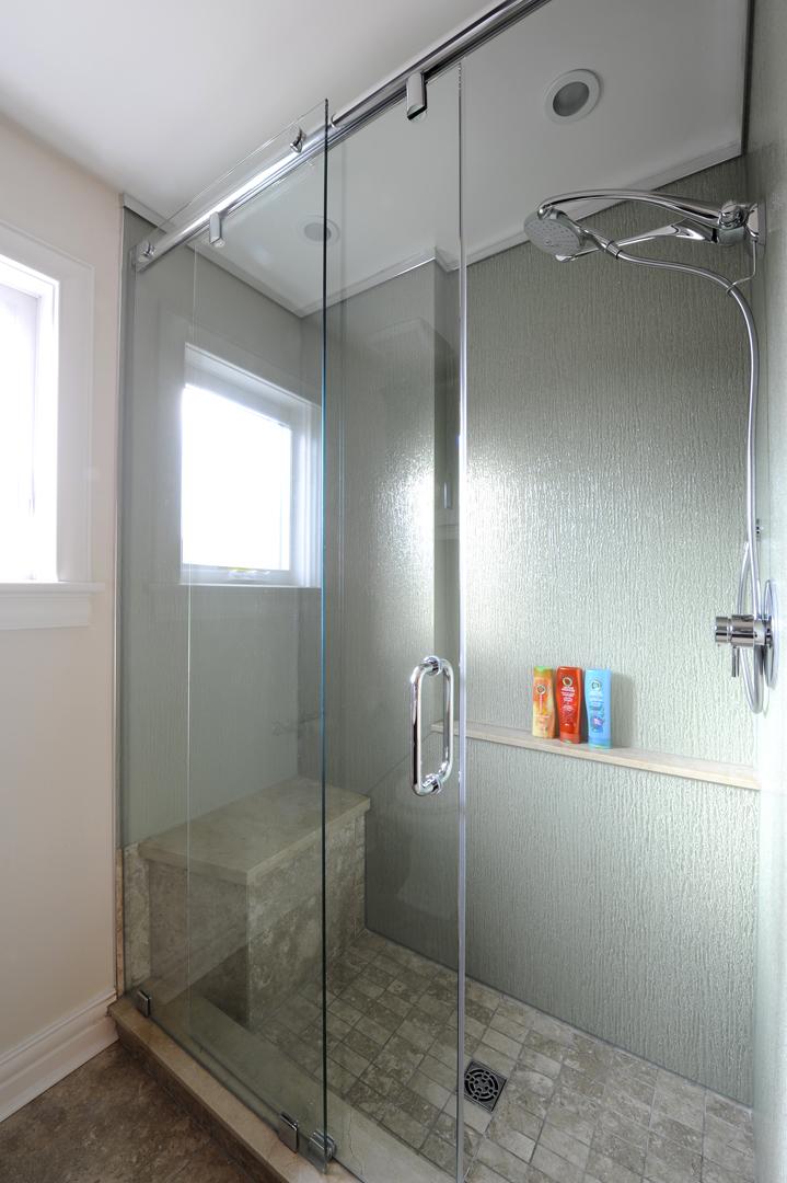 Santoro main bath 2.jpg