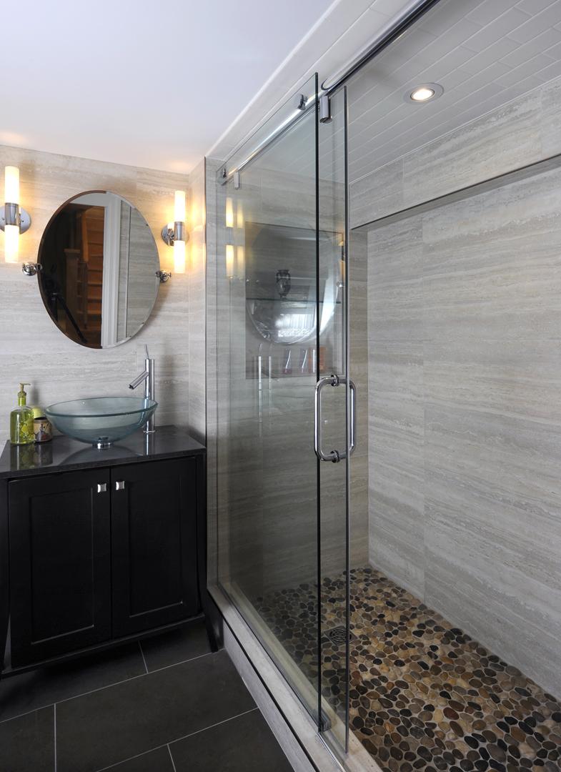 Collins basement bath.jpg