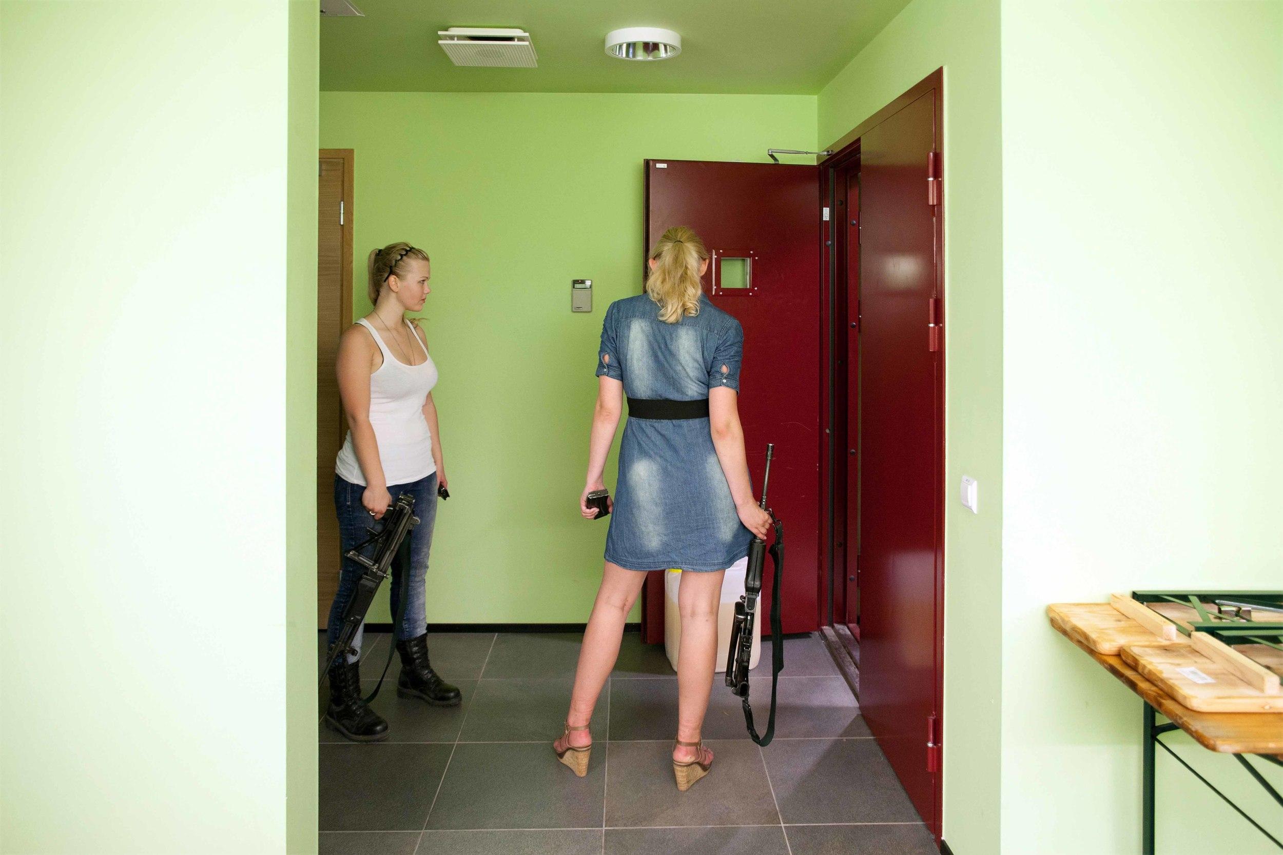 Estonia - Paramilitary Women 02.jpg