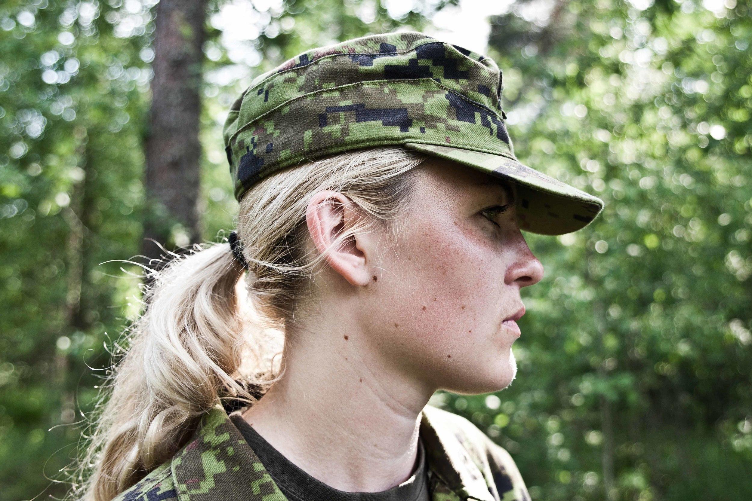 Estonia - Paramilitary Women 08.jpg