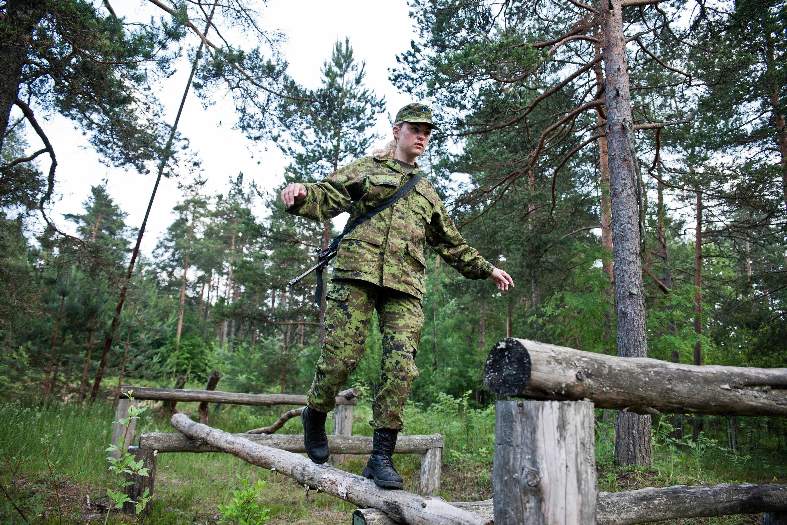 Estonia - Paramilitary Women 09.jpg