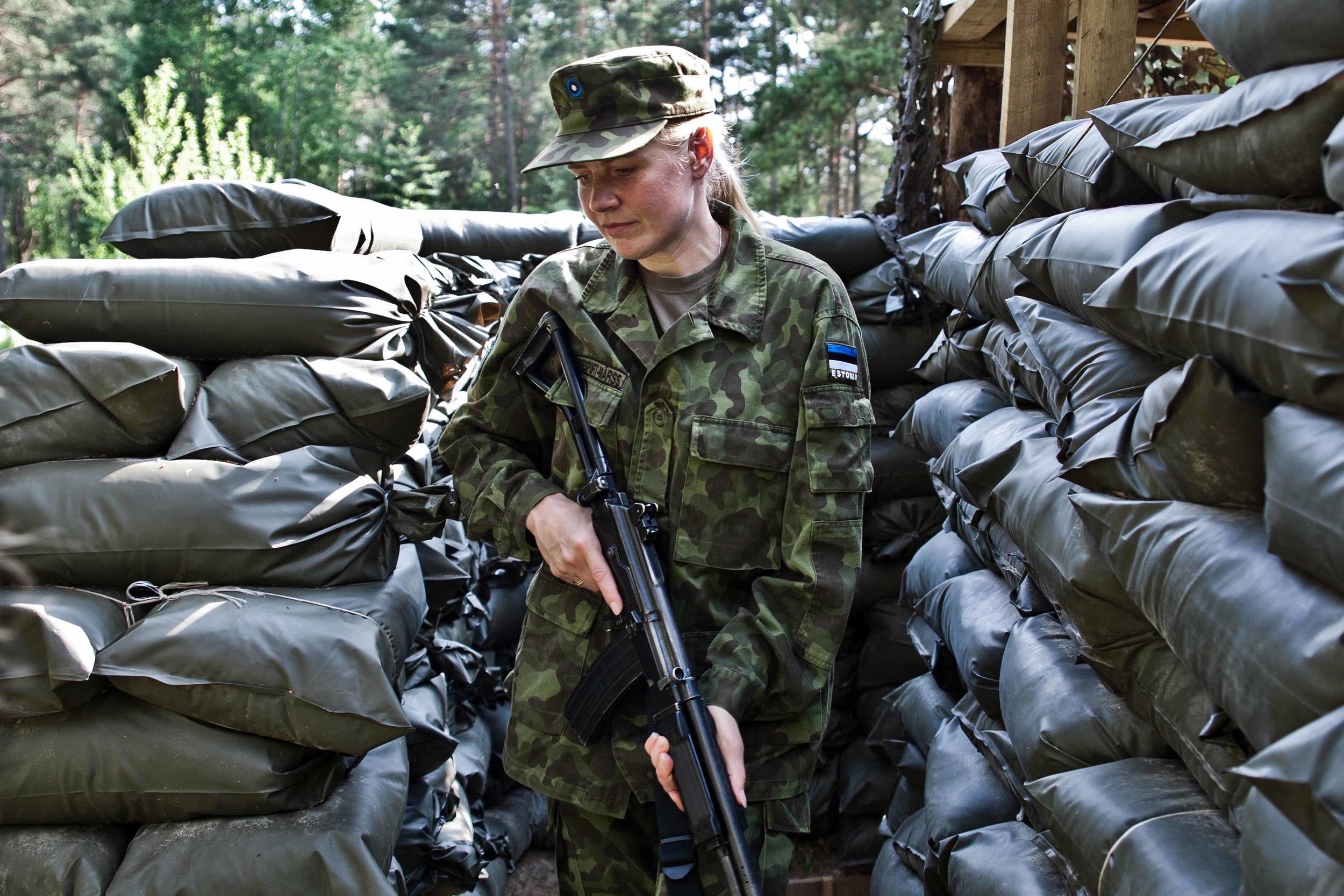 Estonia - Paramilitary Women 14.jpg