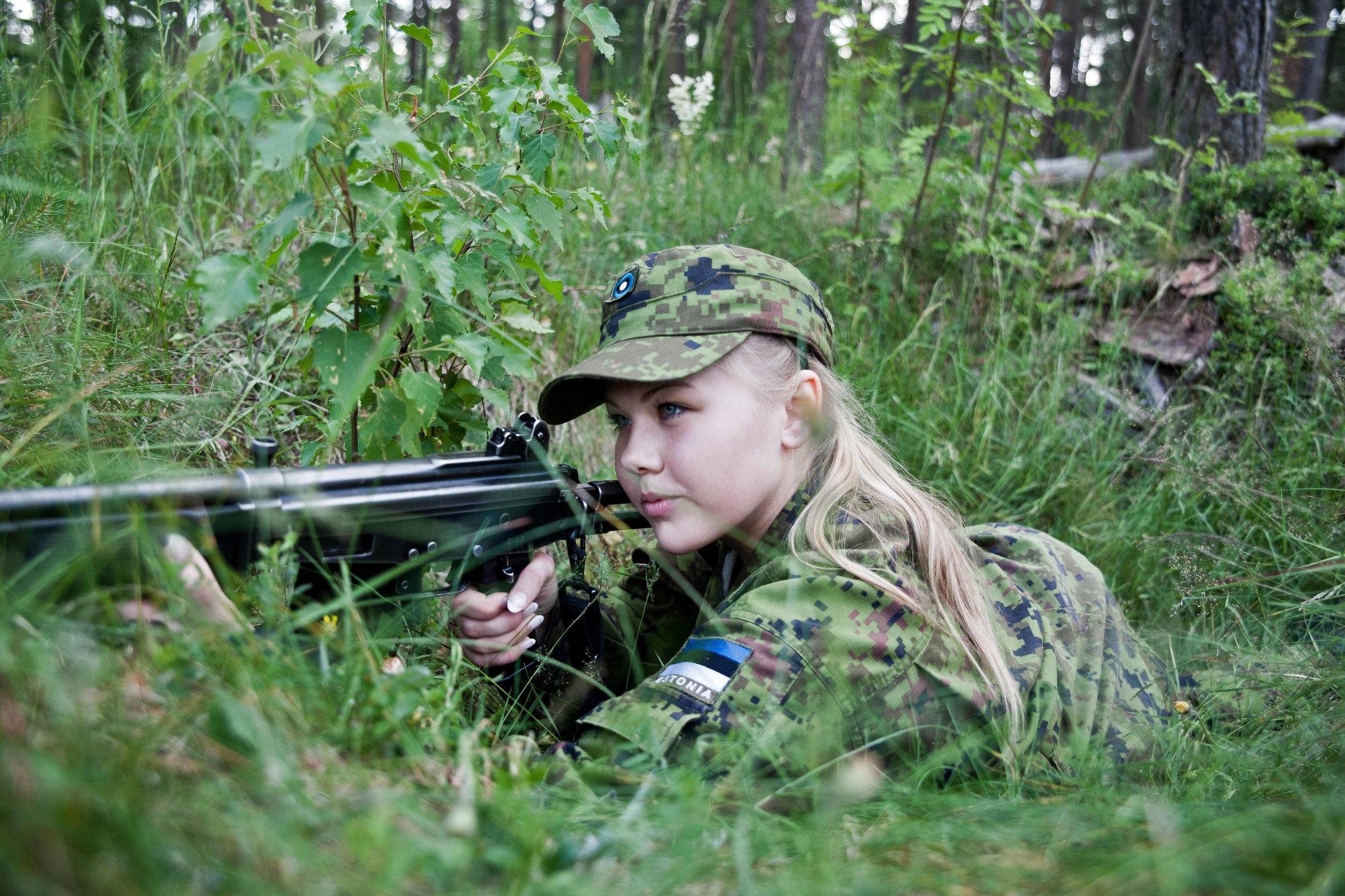 Estonia - Paramilitary Women 17.jpg