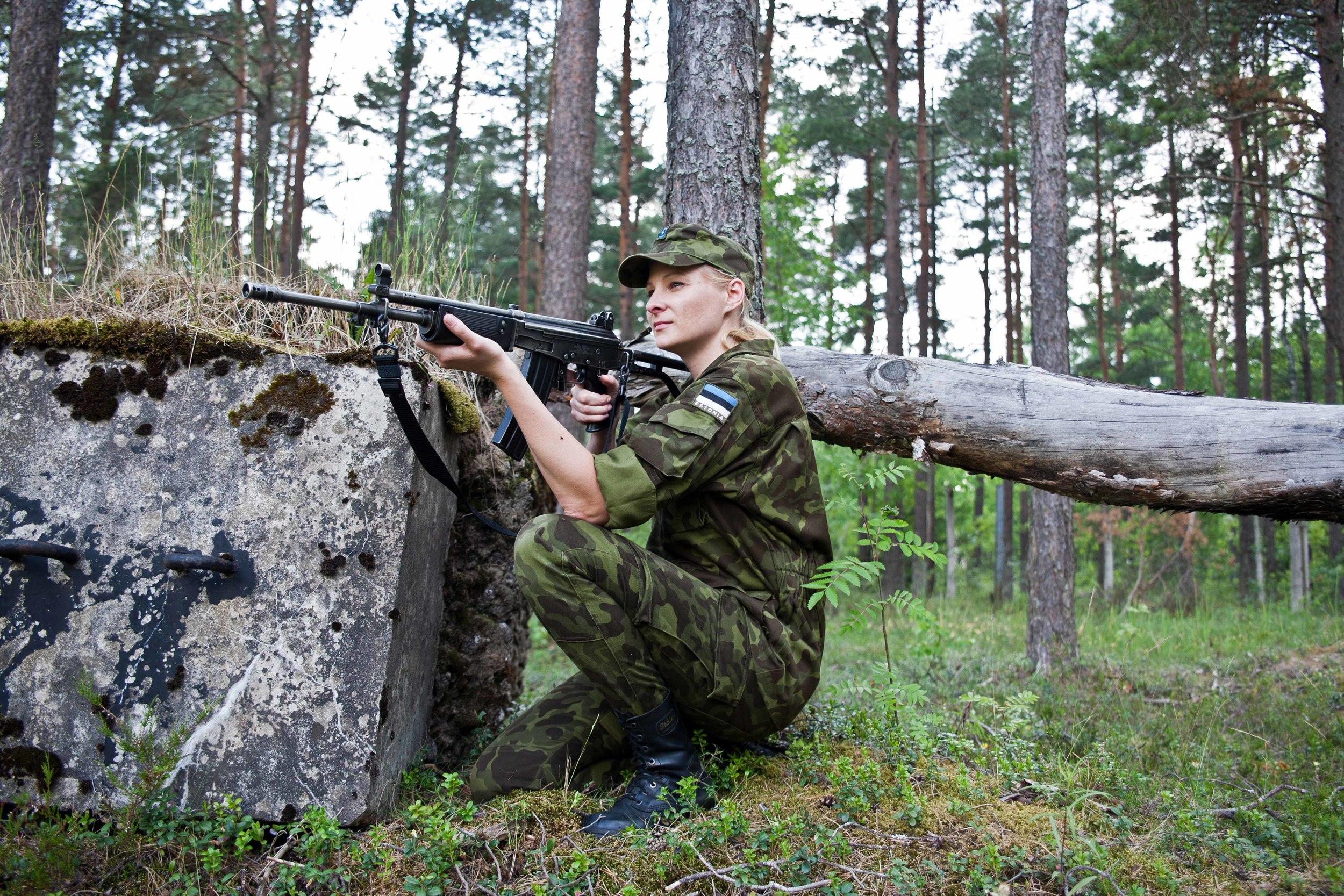 Estonia - Paramilitary Women 18.jpg