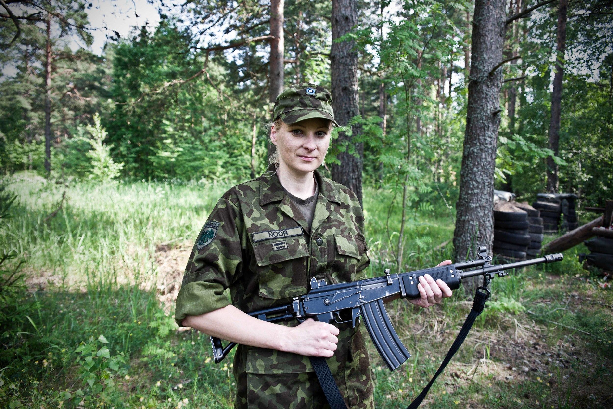 Estonia - Paramilitary Women 20.jpg