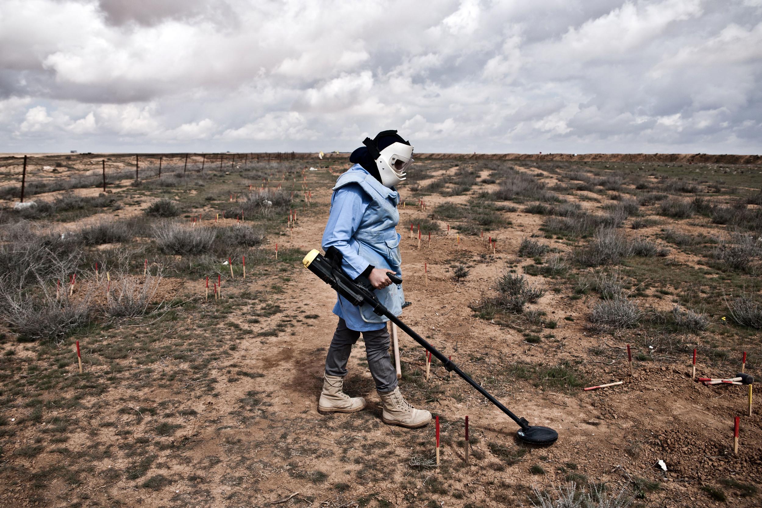 Jordan - The Female Demining Team 22.jpg